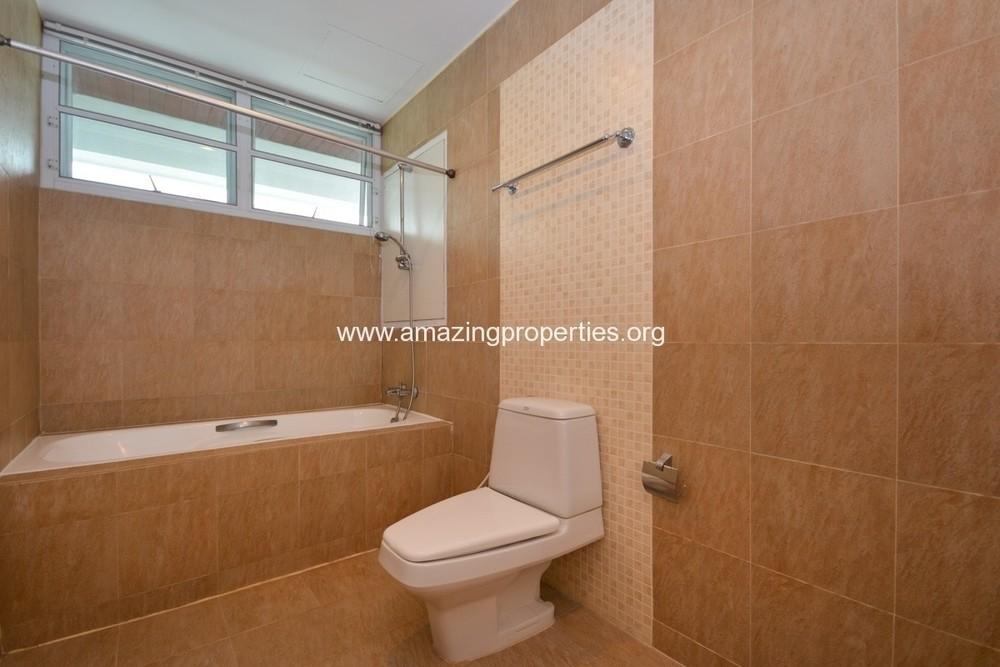 สัจญาณ คอร์ท - ให้เช่า คอนโด 3 ห้องนอน คลองเตย กรุงเทพฯ | Ref. TH-JYHGDOQS
