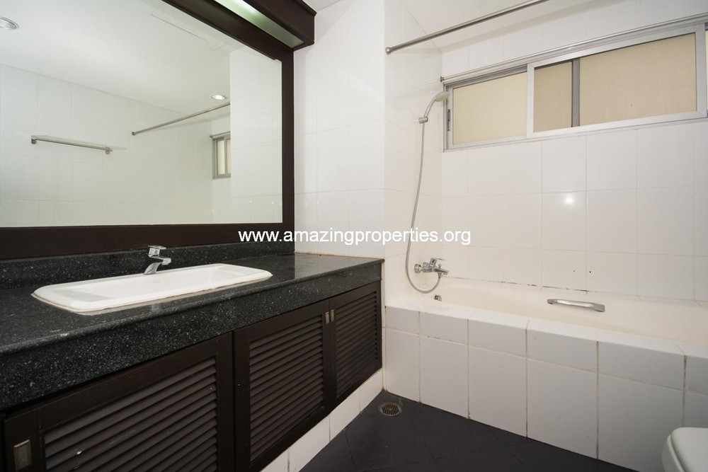 The Natural Park Apartment - For Rent 3 Beds Condo in Watthana, Bangkok, Thailand | Ref. TH-ZDVDFFCD