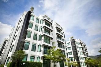 Located in the same area - The regent kamala condominium