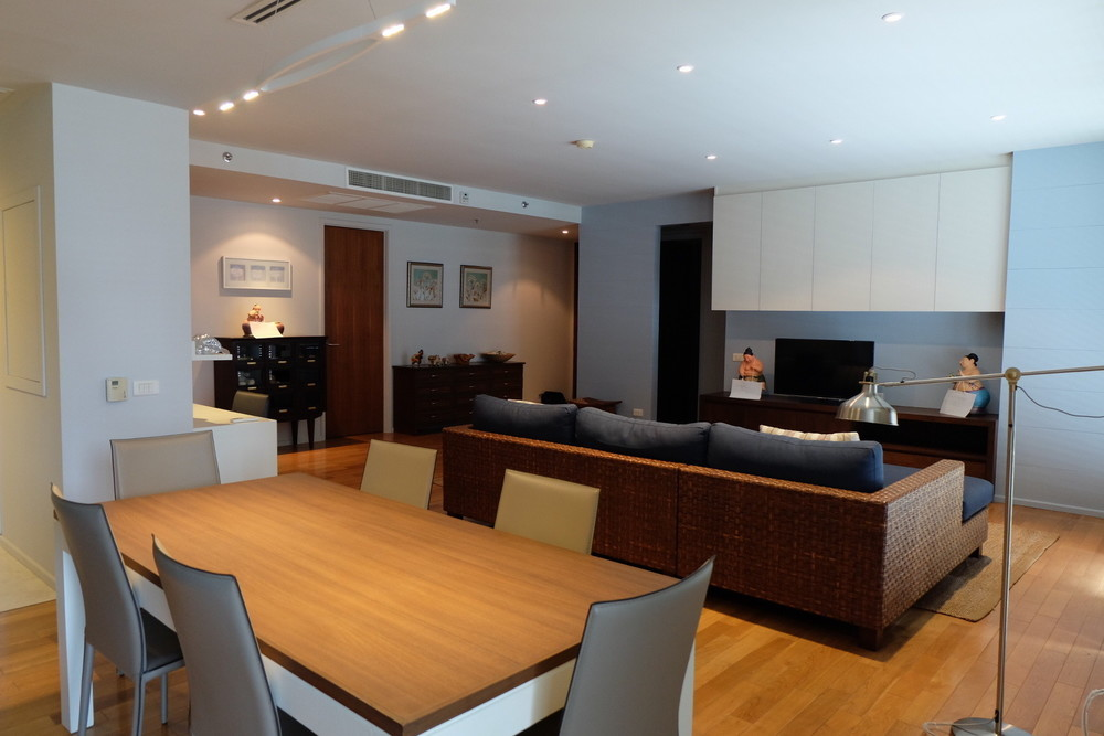 The Legend Saladaeng - For Sale 2 Beds Condo in Sathon, Bangkok, Thailand | Ref. TH-PZSJJKFL