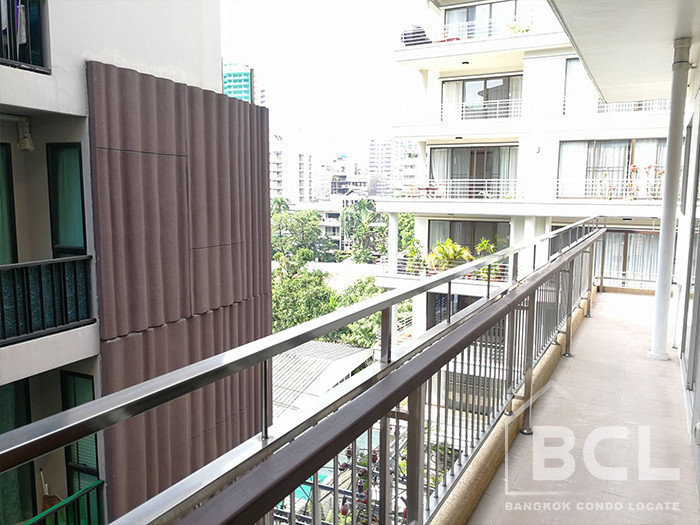 Baan Sukhumvit 14 - В аренду: Кондо с 3 спальнями возле станции BTS Asok, Bangkok, Таиланд | Ref. TH-OAQNVNCL
