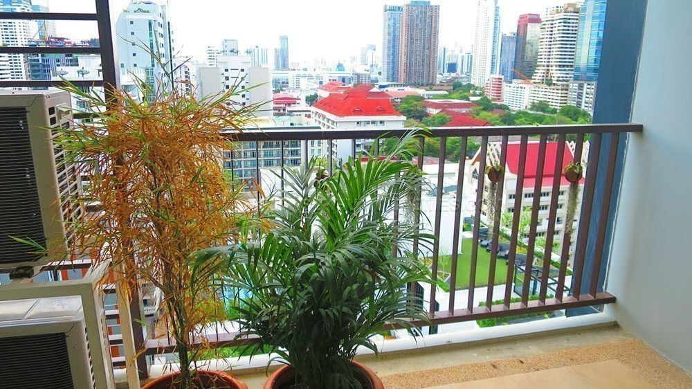 15 Sukhumvit Residences - For Rent 3 Beds Condo Near BTS Nana, Bangkok, Thailand | Ref. TH-GKOMPHJG