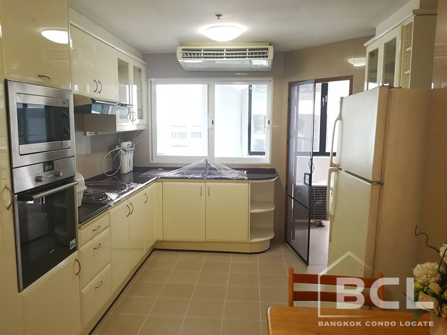 G.M. Tower - For Rent 3 Beds Condo in Khlong Toei, Bangkok, Thailand | Ref. TH-SJORNPEF