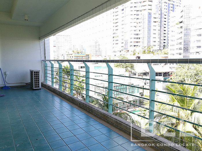 Baan Wannapa - For Rent 2 Beds Condo in Watthana, Bangkok, Thailand | Ref. TH-JFNBYYBX