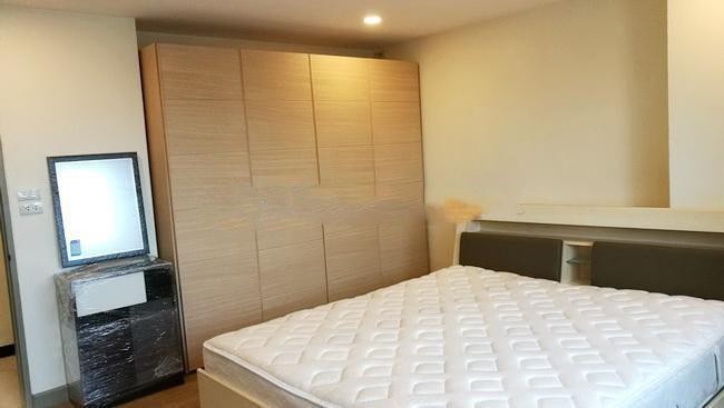 สาธร สวีท - ให้เช่า คอนโด 2 ห้องนอน ติด BTS ช่องนนทรี   Ref. TH-OVMOMLQX