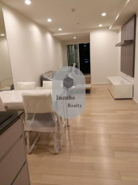15 Sukhumvit Residences - For Sale or Rent 1 Bed Condo Near BTS Nana, Bangkok, Thailand | Ref. TH-UCAPQLLM