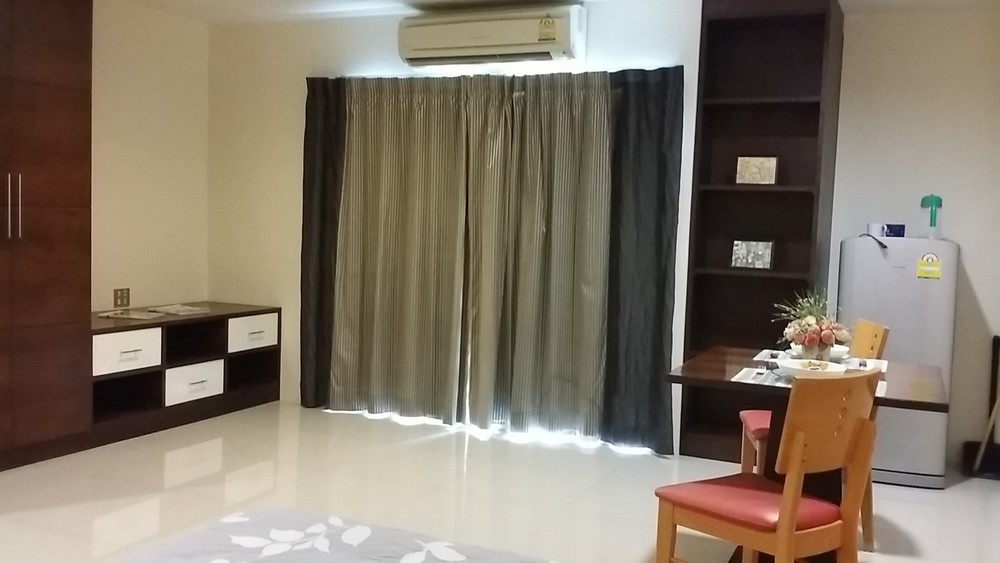 For Rent Apartment Complex 10 rooms in Chatuchak, Bangkok, Thailand | Ref. TH-ZELZZAVN