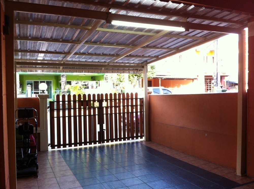 For Sale 2 Beds タウンハウス in Khlong Luang, Pathum Thani, Thailand   Ref. TH-KEDPEWIY