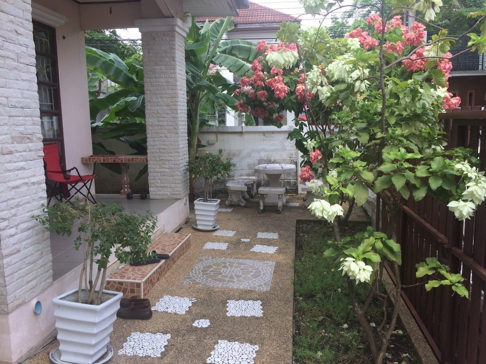 For Sale 3 Beds House in Min Buri, Bangkok, Thailand | Ref. TH-NVJPWCNT