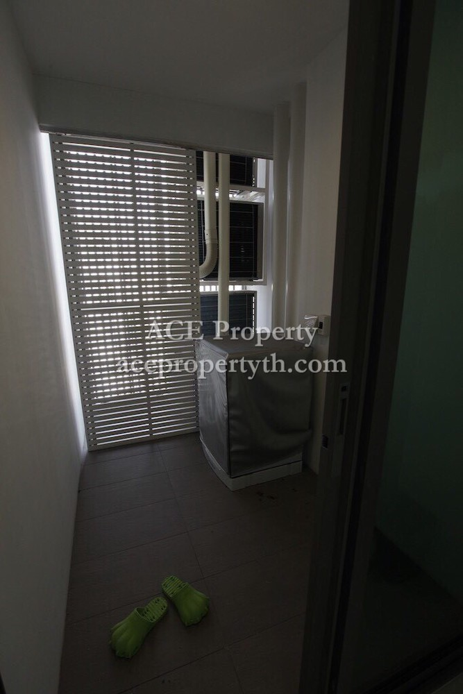 The room bts wongwian yai for sale 2 beds condo near bts for Hotels 8 near me
