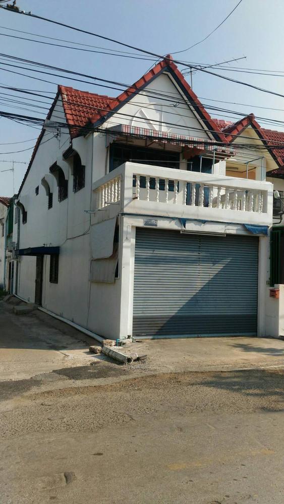 For Sale or Rent 3 Beds タウンハウス in Mueang Nakhon Ratchasima, Nakhon Ratchasima, Thailand | Ref. TH-KVFKXVST