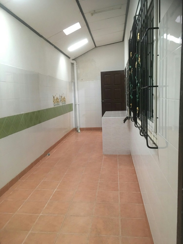 For Sale 3 Beds タウンハウス in Bang Lamung, Chonburi, Thailand | Ref. TH-UOMIPIPY