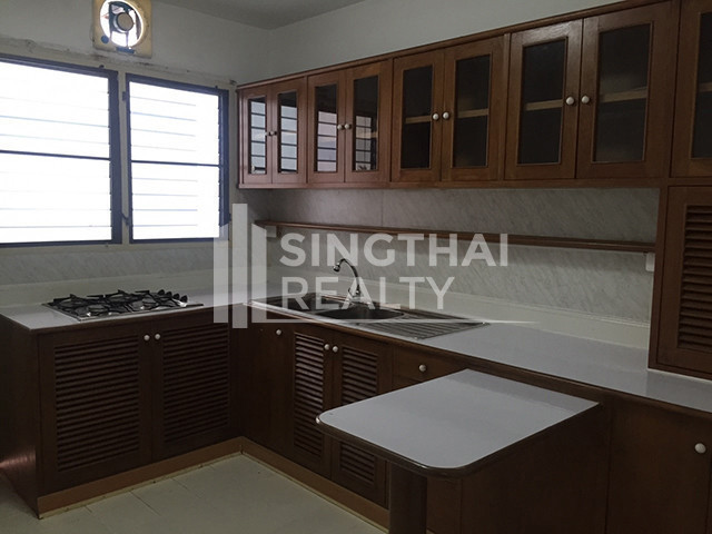 The Waterford Condominium - For Rent 3 Beds コンド in Watthana, Bangkok, Thailand | Ref. TH-IFHMHSHQ