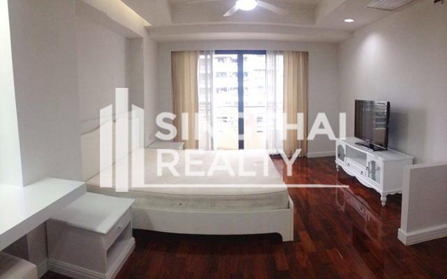 Cosmo Villa - В аренду: Кондо с 3 спальнями возле станции BTS Asok, Bangkok, Таиланд   Ref. TH-XLNNLMQV