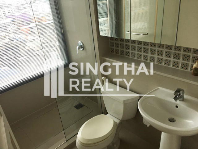 Aguston Sukhumvit 22 - Продажа: Кондо с 3 спальнями в районе Khlong Toei, Bangkok, Таиланд | Ref. TH-NSHDAAOL