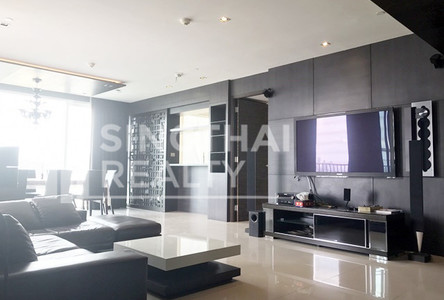 For Rent 3 Beds Condo Near BTS Ekkamai, Bangkok, Thailand