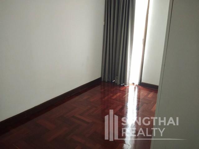 Richmond Palace - Продажа: Кондо с 3 спальнями в районе Watthana, Bangkok, Таиланд | Ref. TH-SLUHKHCP