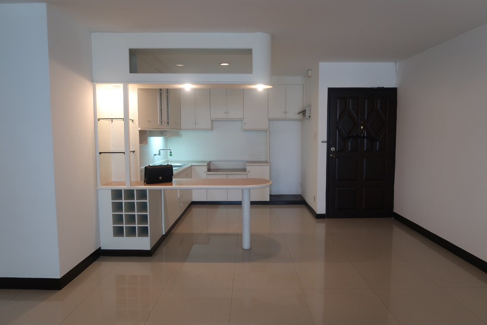 For Sale 2 Beds コンド in Phaya Thai, Bangkok, Thailand | Ref. TH-ATJJGCQV