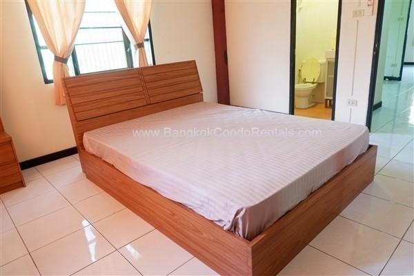 ให้เช่า ทาวน์เฮ้าส์ 4 ห้องนอน สาทร กรุงเทพฯ   Ref. TH-PJYCTTCW