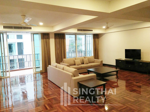 Villa Insaf - For Rent 3 Beds Condo Near BTS Nana, Bangkok, Thailand | Ref. TH-QJOQFFCL