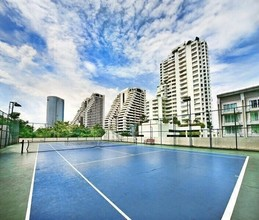 В том же районе - Centre Point Residence Phrom Phong