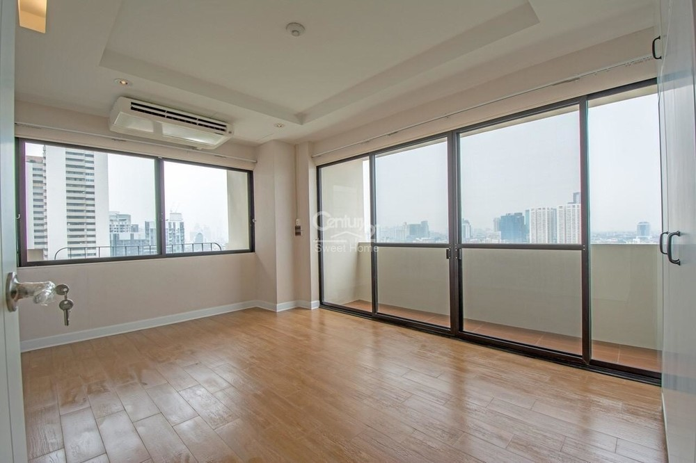 Casa Viva - For Sale 3 Beds Condo in Watthana, Bangkok, Thailand | Ref. TH-CRNZWJPK