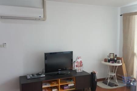 บ้าน สิริ สาทร - ให้เช่า คอนโด 3 ห้องนอน ยานนาวา กรุงเทพฯ   Ref. TH-VTTUKDIM