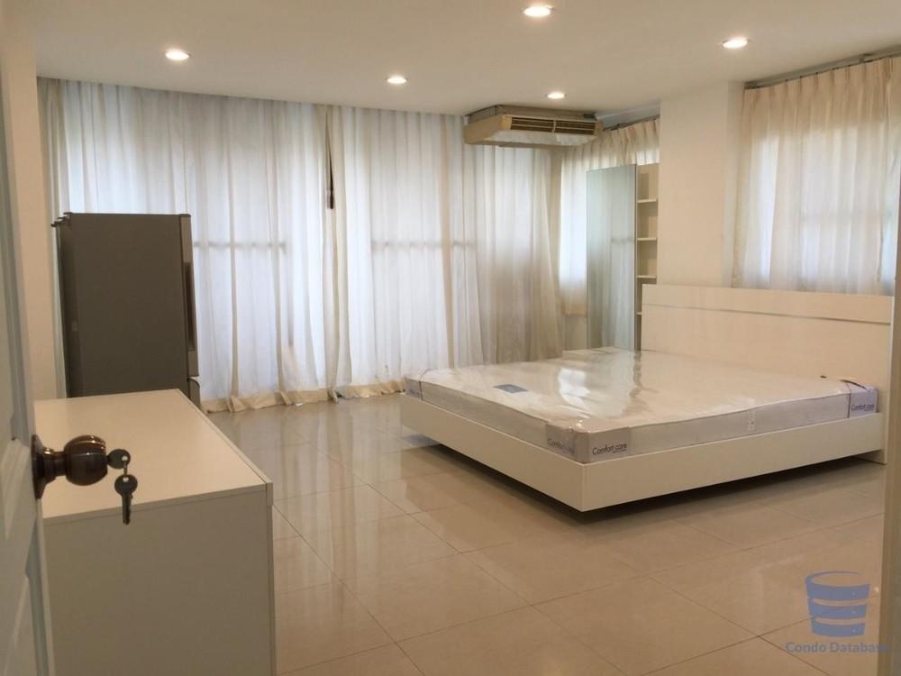 Pikul Place - В аренду: Кондо с 3 спальнями в районе Sathon, Bangkok, Таиланд | Ref. TH-GRYMSNTV