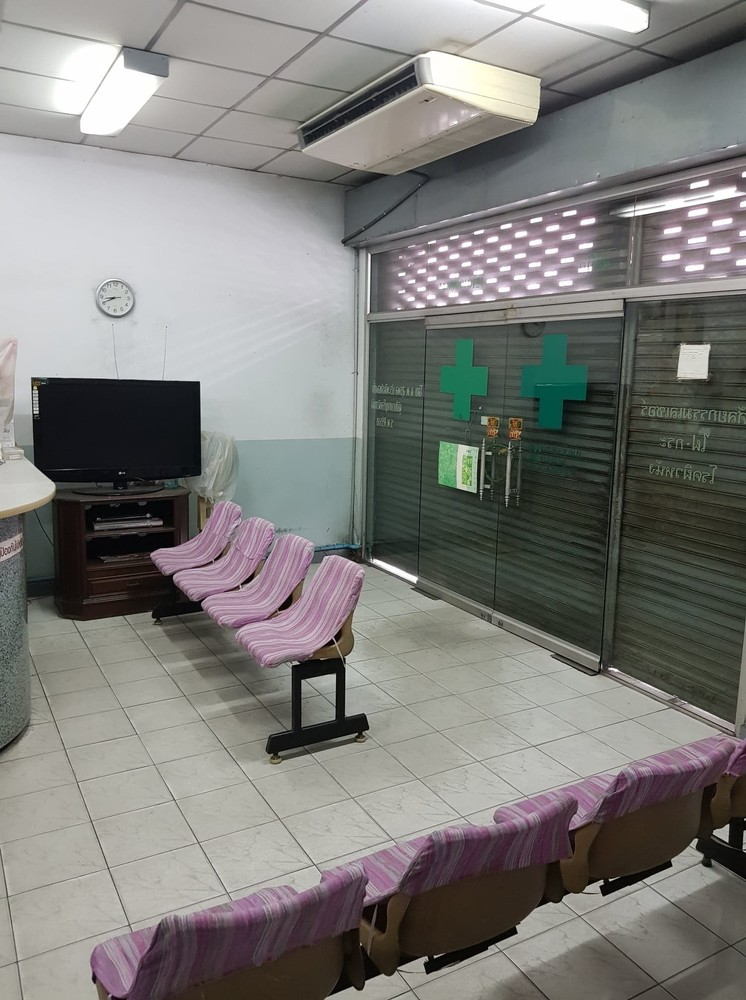 For Rent 4 Beds Shophouse in Mueang Nonthaburi, Nonthaburi, Thailand | Ref. TH-RWZBTINI