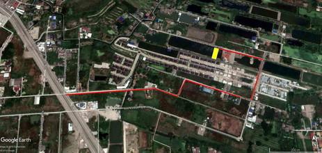 ตั้งอยู่บริเวณพื้นที่เดียวกัน - ประเวศ กรุงเทพฯ