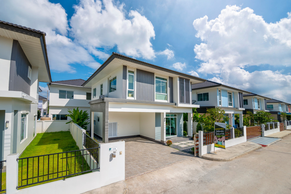 For Sale 3 Beds 一戸建て in Mueang Nakhon Si Thammarat, Nakhon Si Thammarat, Thailand | Ref. TH-COZPOCII