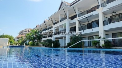 Located in the same area - Sunrise Beach Resort and Residence