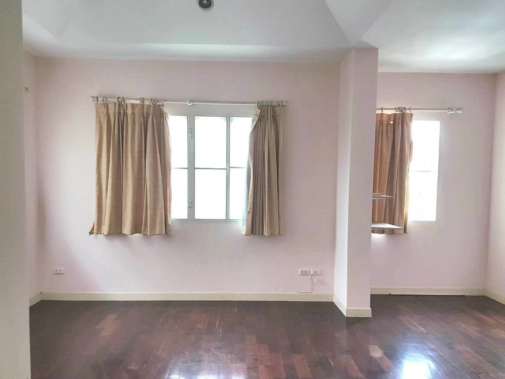 For Sale or Rent 3 Beds House in Saphan Sung, Bangkok, Thailand   Ref. TH-BAAINXST