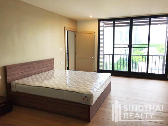 ครอส เคริก - ให้เช่า คอนโด 3 ห้องนอน วัฒนา กรุงเทพฯ | Ref. TH-QMVMBHFL