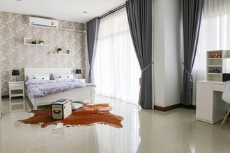 Located in the same area - Mueang Songkhla, Songkhla