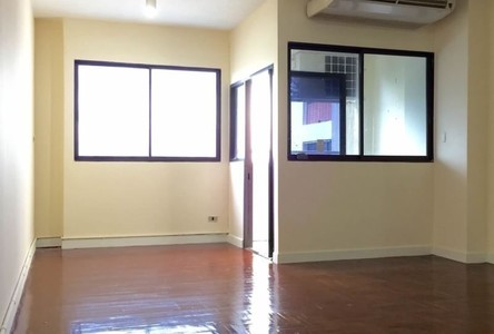 For Sale or Rent Condo 42 sqm in Watthana, Bangkok, Thailand