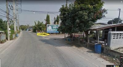 ตั้งอยู่บริเวณพื้นที่เดียวกัน - บ้านโป่ง ราชบุรี