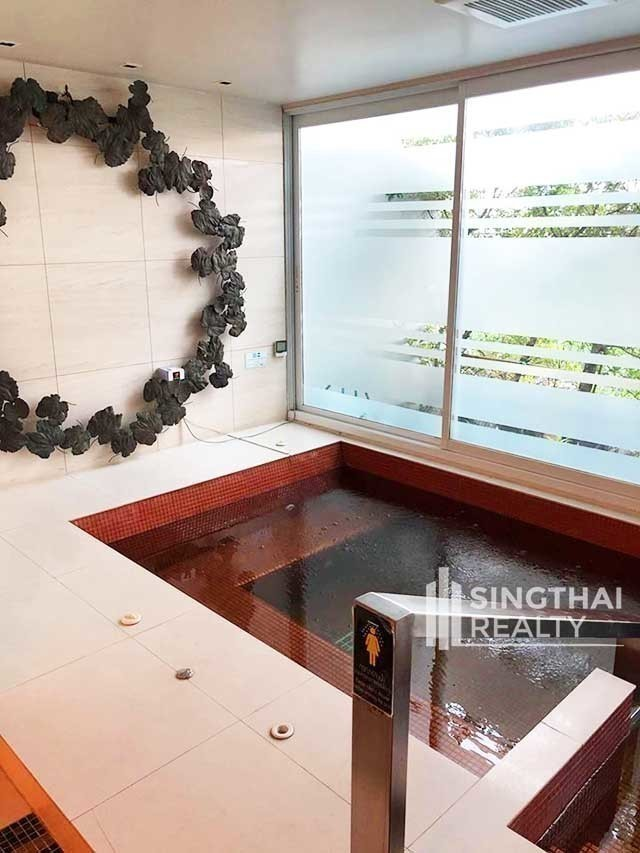 Circle Condominium - For Rent 2 Beds Condo in Watthana, Bangkok, Thailand | Ref. TH-IPEAAMFP