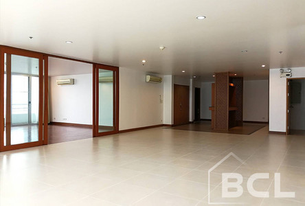 В аренду: Кондо с 4 спальнями возле станции BTS Phrom Phong, Bangkok, Таиланд