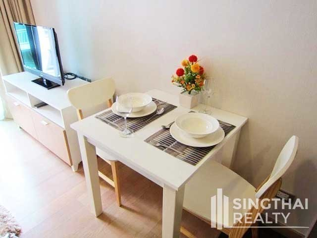 Via 49 - For Sale 1 Bed Condo in Watthana, Bangkok, Thailand | Ref. TH-TGKCLVCJ