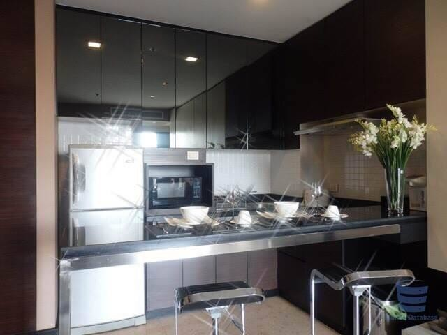 Nusasiri Grand - For Sale 2 Beds Condo Near BTS Ekkamai, Bangkok, Thailand | Ref. TH-VMURBOBO