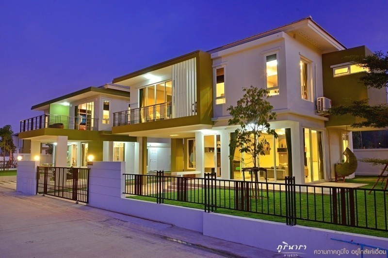 For Sale 4 Beds House in Mueang Nakhon Ratchasima, Nakhon Ratchasima, Thailand | Ref. TH-EJPRHHEE