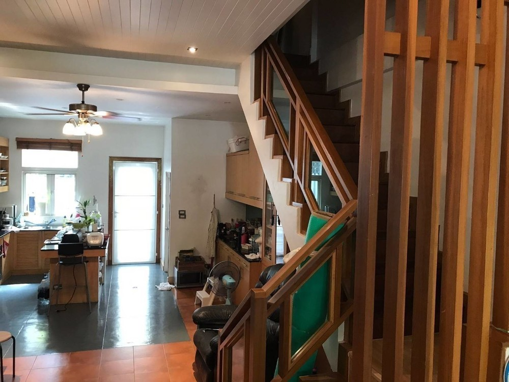 For Sale 4 Beds Townhouse in Khlong Toei, Bangkok, Thailand | Ref. TH-MCNTSPCC