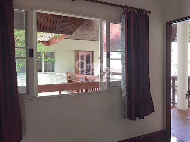 В аренду: Дом с 4 спальнями в районе Khlong Toei, Bangkok, Таиланд | Ref. TH-LFARXROW