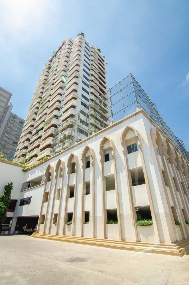 Charan Tower - В аренду: Кондо с 3 спальнями возле станции BTS Phrom Phong, Bangkok, Таиланд | Ref. TH-YQAZUTTK