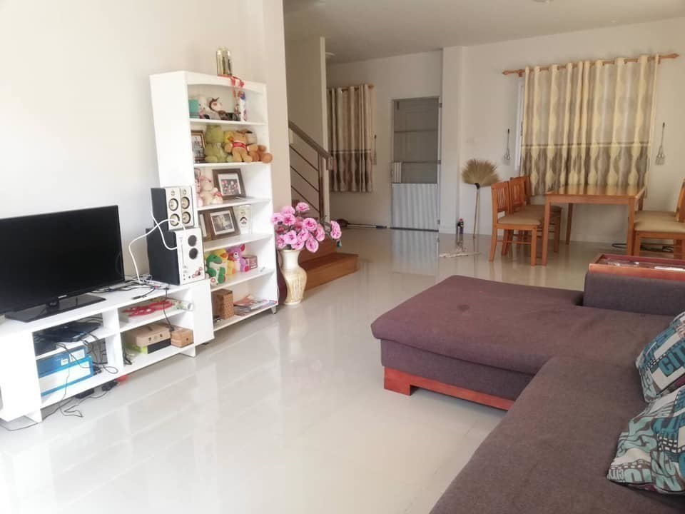 For Sale or Rent 3 Beds 一戸建て in Mueang Nakhon Ratchasima, Nakhon Ratchasima, Thailand | Ref. TH-DCJLAEWT