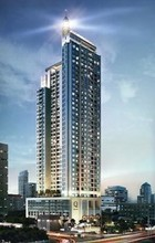 Located in the same area - Q Asoke