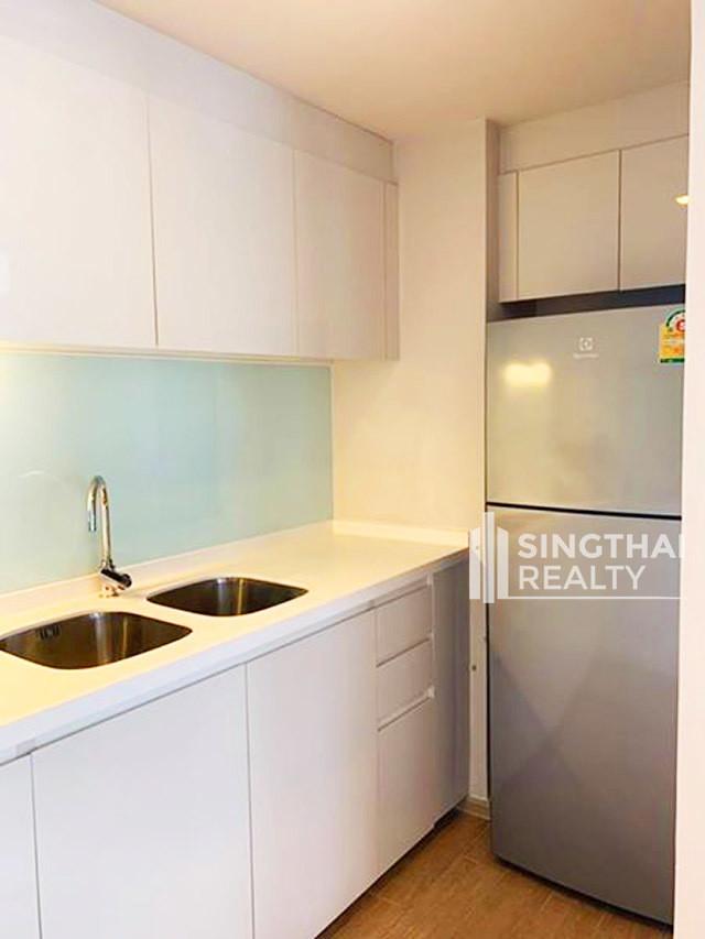 LIV@49 - For Rent 3 Beds Condo Near BTS Thong Lo, Bangkok, Thailand   Ref. TH-LZGABIPB