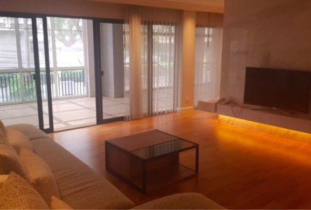 For Rent 3 Beds Condo in Pathum Wan, Bangkok, Thailand