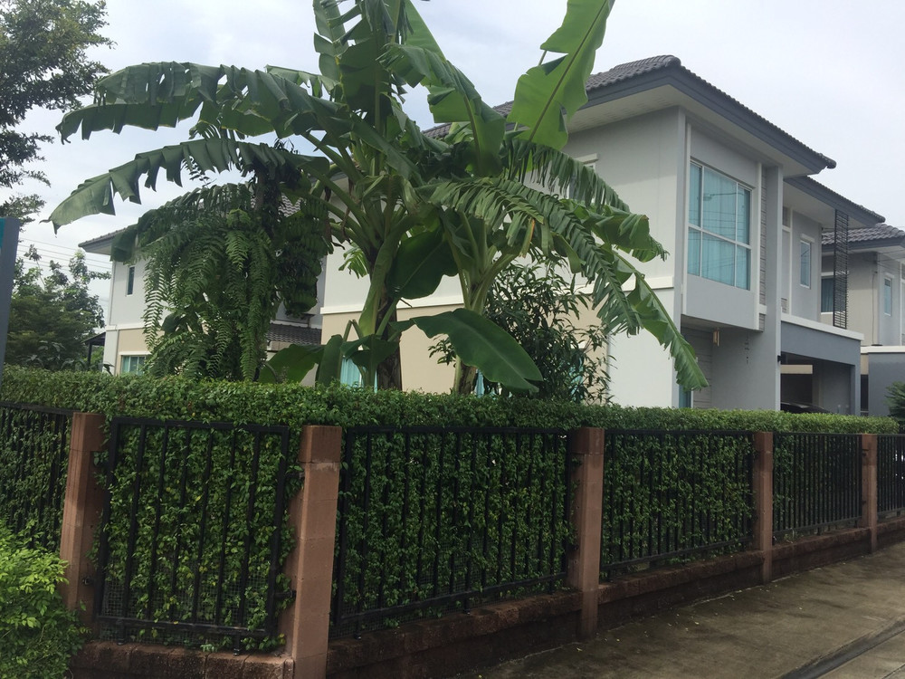 For Sale or Rent 3 Beds House in Saphan Sung, Bangkok, Thailand | Ref. TH-VRDUAHKL